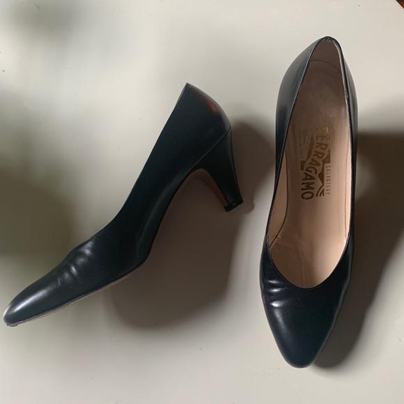 Ferragamo Shoes - Vintage Ferragamo shoes with small heel!